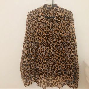 """Tops - Leopard Print Shirt Arm Pit to Arm Pit is 21"""" 0001"""